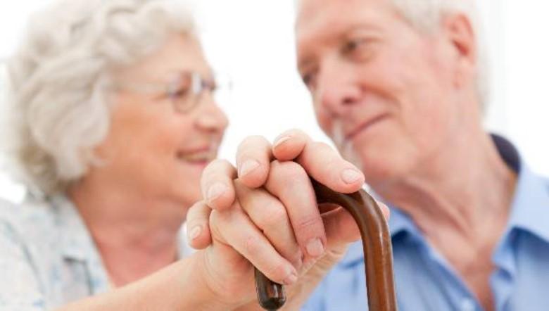 yaşlılarda düşme